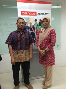 Instruktur dan Staff Oracle Academy