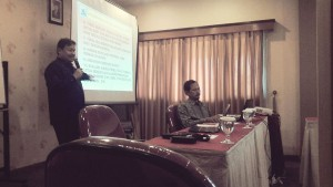 Prof Didik sedang menyampaikan materi penelitian dan pengabdian masyarakat yang didanai oleh Kemenristekdikti